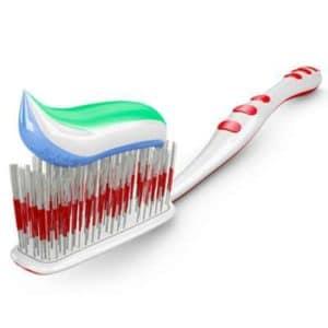 Weiße Zähne mit der richtigen Uahnpasta